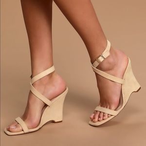 NEW size 10 natural nude wedge heel sandals Lulus